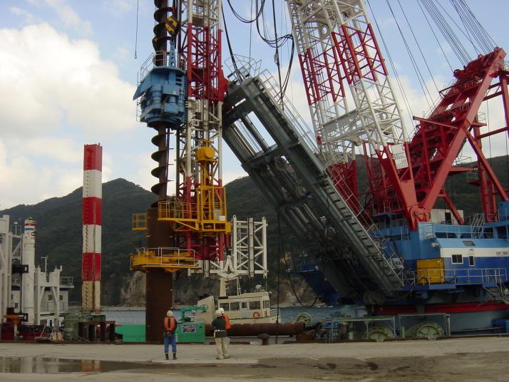 長崎LNG基礎建設工事