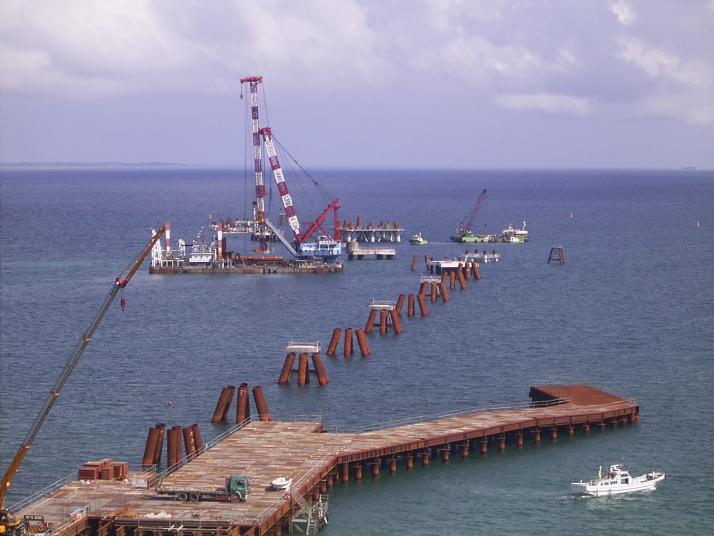 沖電吉の浦港湾施設工事