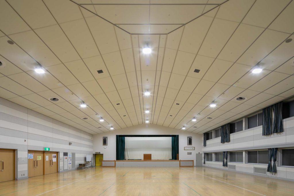 南大分公民館集会室 天井改修電気設備工事